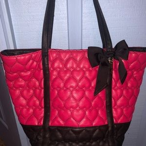 Betsey Johnson pink quilted heart bow purse